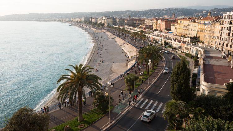 La promande des Anglais à Nice (Alpes-Maritimes), le 30 octobre 2017. (J?RG CARSTENSEN / DPA / AFP)