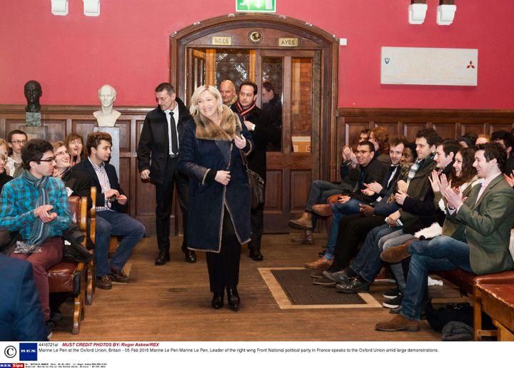 Marine Le Pen arrive à l'université d'Oxford (Royaume-Uni), à l'occasion d'une conférence-débat, le 5 février 2015. (ROGER ASKEW / REX / SIPA)