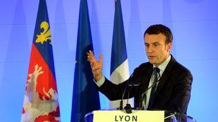 Emmanuel Macron, alors ministre de l'Économie, à l'hôtel de ville de Lyon, le 2 juin 2016. (PHILIPPE JUSTE / MAXPPP)
