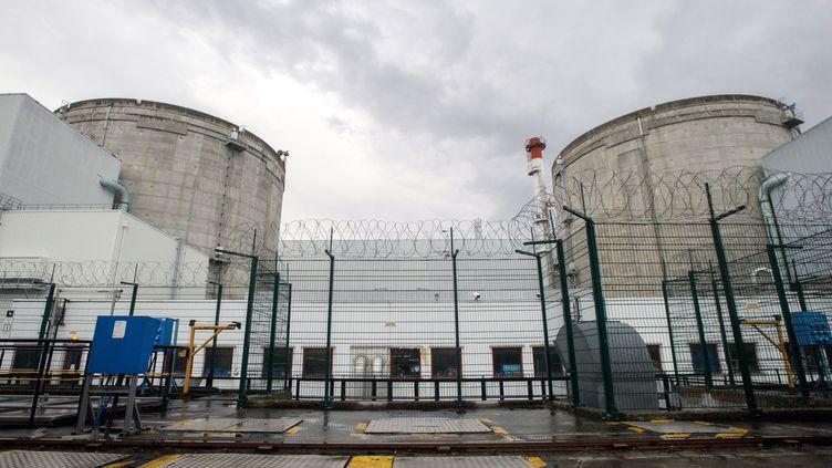 La centrale nucléaire de Fessenheim, dans le Haut-Rhin, le 9 avril 2013. (SEBASTIEN BOZON / AFP)
