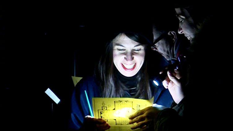 Ambiance mystérieuse dans le halo des lampes torches...Un autre Panthéon se dévoile.  (France 3 Culturebox)