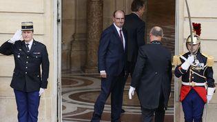 Le nouveau Premier ministre, Jean Castex, après sa passation de pouvoirs avec Edouard Philippe, à Matignon, à Paris, le 3 juillet 2020. (THOMAS SAMSON / AFP)