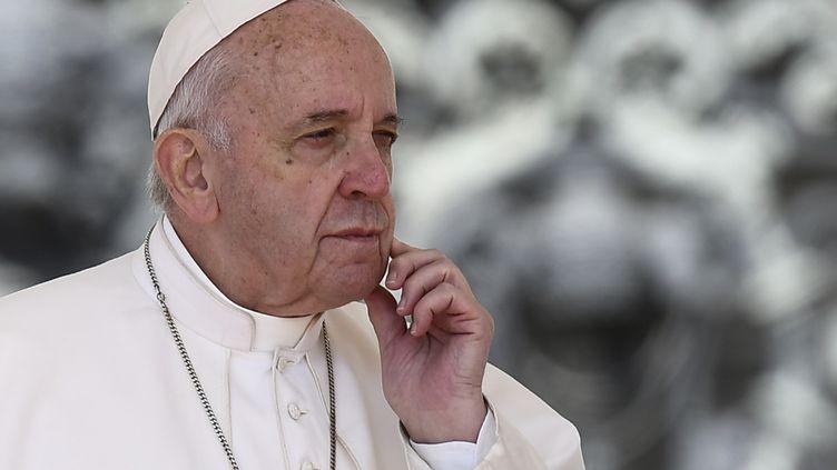 Le pape François le 8 mai 2019 place Saint-Pierre au Vatican. (FILIPPO MONTEFORTE / AFP)