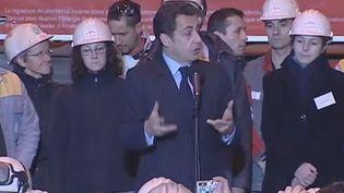 Nicolas Sarkozy devant les salariés de l'usine ArcelorMittal de Gandrange (Moselle), le 4 février 2008. (FRANCE 2)