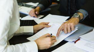 En juin, l'administration a reçu 35 380 demandes d'homologation de rupture conventionnelle de contrat de travail (ERIC AUDRAS / PHOTOALTO / GETTY IMAGES)