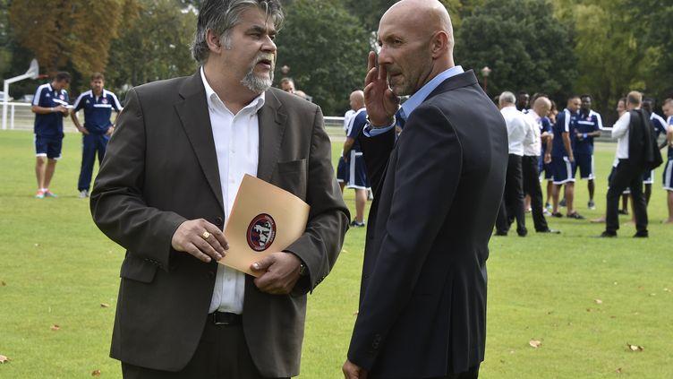 Jérôme Ducros, président du LAP, et Fabien Barthez, directeur général, espèrent que Luzenac gagnera son match... en justice. (PASCAL PAVANI / AFP)