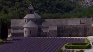 L'abbaye de Notre-Dame de Sénanque, dans le Vaucluse, compte sur le Loto du patrimoine pour restaurer un édifice vieux de huit siècles, mais qui menace de s'écrouler. (CAPTURE D'ÉCRAN FRANCE 3)