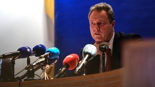Le procureur de la République de Clermont-Ferrand (Puy-de-Dôme) lors d'une conférence de presse sur la mort de trois gendarmes en intervention, le 23 décembre 2020. (OLIVIER CHASSIGNOLE / AFP)