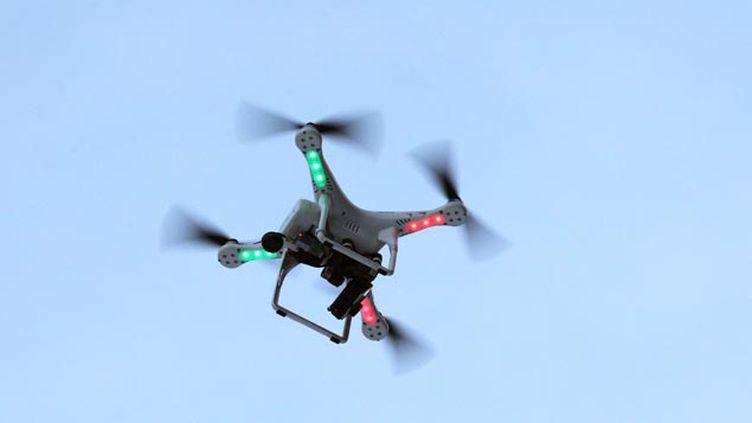 (En France, il est interdit de se servir des drones en agglomération © Maxppp)