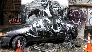 """""""Crazy Horse"""", Banksy (octobre 2013, New York)  (REX/Erik Pendzich/Rex/REX/SIPA)"""