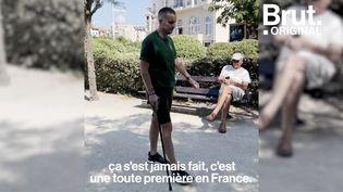 """VIDEO. """"Ça a été une réussite totale"""" : Paraplégique, il remarche grâce à des implants (BRUT)"""