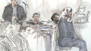 Un croquis de Fayçal Aït Messoud (assis à gauche), lors de son procès, le 24 février 2016 à Paris. (BENOIT PEYRUCQ / AFP)