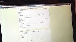 Un consommateur achète son billet d'avion sur internet. (CAPTURE D'ÉCRAN FRANCE 3)