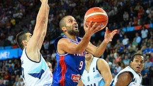 Tony Parker, le 6 septembre 2015, lors d'un match de poules de l'Eurobasket contre la Bosnie, à Montpellier (Hérault). (MUSTAFA YALCIN / ANADOLU AGENCY / AFP)