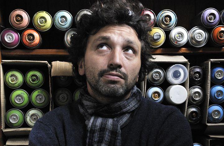Le street-artiste C215  (photo Sylvain Lefeuvre)