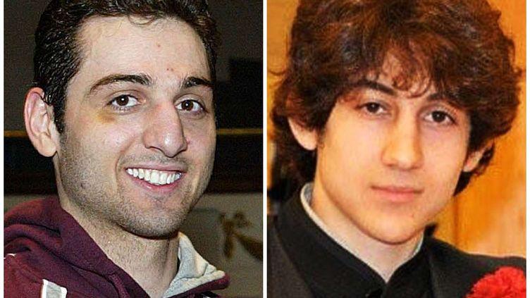 A gauche, Tamerlan Tsarnaev, 26 ans, et à droite, son frère cadet, Djokhar, 19 ans, principaux suspects dans l'attentat du marathon de Boston. (AP / SIPA)