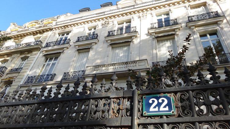 Le 22, avenue Foch, à Paris, où Jeffrey Epstein possédait un appartement. (THEO HETSCH / RADIO FRANCE)