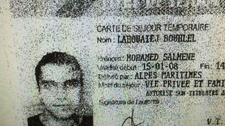 Une reproduction de la carte de séjour de l'auteur de l'attentat de Nice,Mohamed Lahouaiej Bouhlel, diffusée le 15 juillet 2016. (POLICE NATIONALE / AFP)