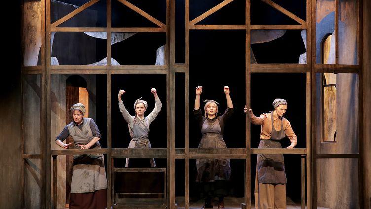 """""""Les Filles aux mains jaunes"""" au Théâtre Actuel, Avignon (Fabienne Rappeneau)"""