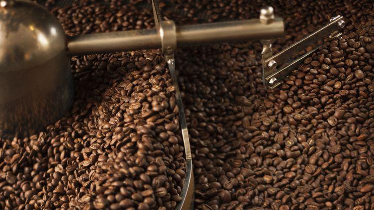 Les autorités américaines s'inquiètent de la consommation de caféine pure, susceptible de provoquer des overdoses. (CHRISTOFFER ASKMAN / CULTURA CREATIVE / AFP)