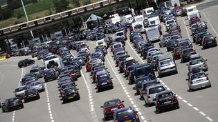 Le péage de Vienne (Isère)sur l'autoroute A7, le 11 juillet 2009. (JEFF PACHOUD / AFP)