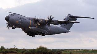 Un A400M d'Airbus de l'armée française, le 30 septembre 2013 àSaint-Jean-de-la-Ruelle (Loiret). (ALAIN JOCARD / AFP)