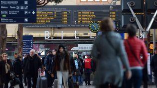 Votre train est-il plus souvent en retard que les autres, vérifiez-le avec notre moteur de recherche (ANNE-CHRISTINE POUJOULAT / AFP)