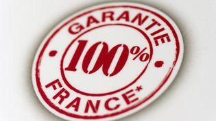 Le Salon du made in France a ouvert ses portes vendredi 8 novembre à Paris. Est-il possible d'acheter des produits fabriqués uniquement dans l'Hexagone et recyclés ? (LIONEL BONAVENTURE / AFP)