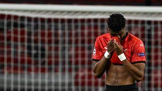 Le défenseur de Rennes Gerzino Nyamsi lors du match contre Chelsea mardi 24 novembre 2020. (DAMIEN MEYER / AFP)