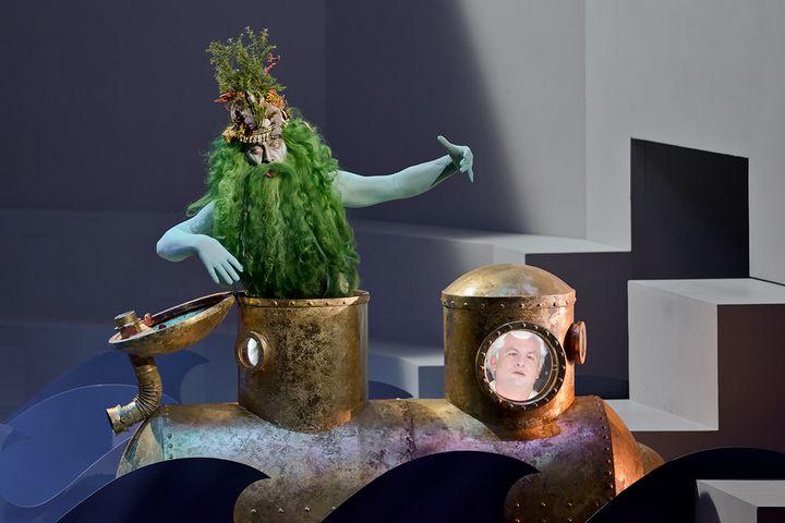 """""""Ercole Amante"""" à l'Opéra comique : Neptune (Luca Tittoto) et Hyllus (Krystian Adam). (STEFAN BRION)"""