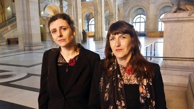 (Les filles du mime Marcel Marceau, Aurélia à gauche et Camille à droite © Cecila Arbona / Radio France)