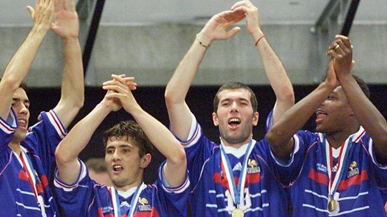 Robert Pirès, Bixente Lizarazu, Zinédine Zidane et Marcel Desailly n'ont pas choisi la même reconversion mais pèsent dans le monde du football actuel
