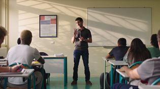 """Soufiane Guerrab dans """"La Vie scolaire"""" deGrand Corps Malade et Mehdi Idir. (Copyright Laetitia Montalembert - Gaumont – Mandarin Production – Kallouche Cinéma)"""