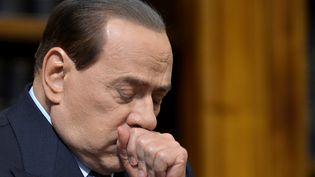 Silvio Berlusconi, lors d'une conférence de presse, à Rome (Italie), le 25 mai 2012. (FILIPPO MONTEFORTE / AFP)