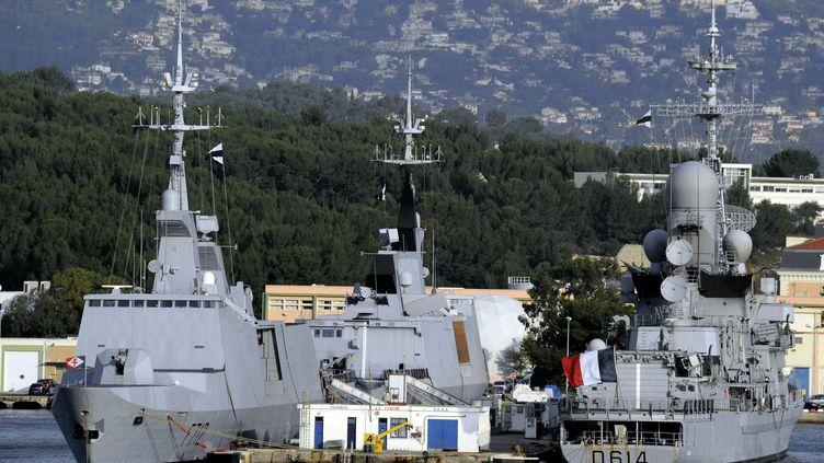 """La frégate furtive """"Courbet"""" à Toulon (Var), le 17 novembre 2012. (MAXPPP)"""
