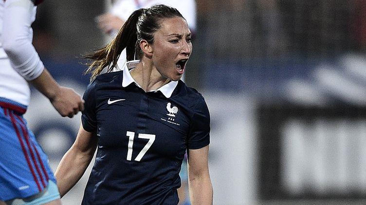 L'internationale tricolore Gaëtane Thiney, lors d'un match contre la Russie à Châteauroux, le 22 mai 2015. (FRANCK FIFE / AFP)