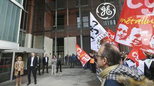Devant le siège de General Electric, à Belfort (Territoire de Belfort), le 21 mai 2019. (SEBASTIEN BOZON / AFP)