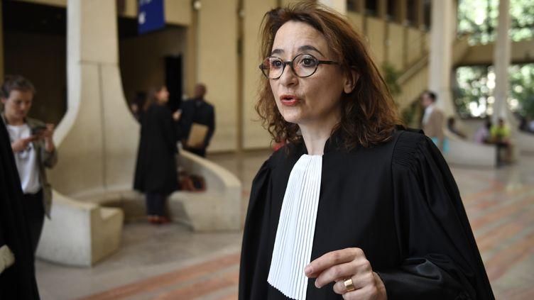 Marie Dosé, lors d'un procès devant la Cour d'Assises de Créteil, le 26 juin 2018. (ERIC FEFERBERG / AFP)