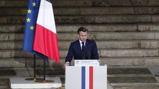 Emmanuel Macron, lors de l'hommage à Samuel Paty à Paris, le 21 octobre 2020. (FRANCOIS MORI / AFP)