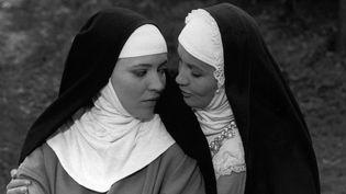 """Anna Karina (à gauche) dans """"Suzanne Simonin, la religieuse de Diderot"""" de Jacques Rivette sorti en 1966.  (Kobal The Picture Desk / AFP)"""