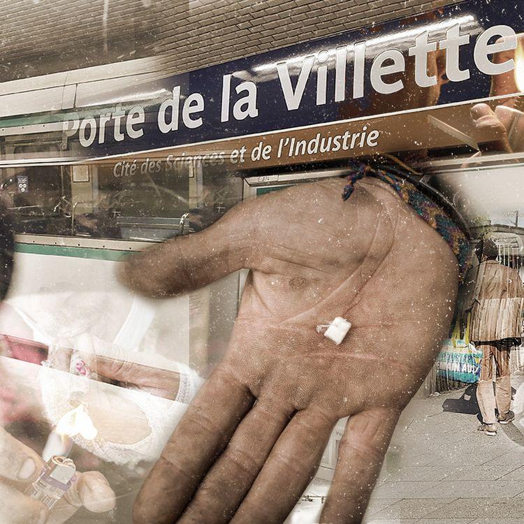 Des agents de sécurité et des policiers patrouillent à l'intérieur et aux abords de la station de métro Porte de la Villette, à Paris, fréquentée par des consommateurs de crack. (PIERRE-ALBERT JOSSERAND / RAPHAEL GODET / FRANCEINFO)