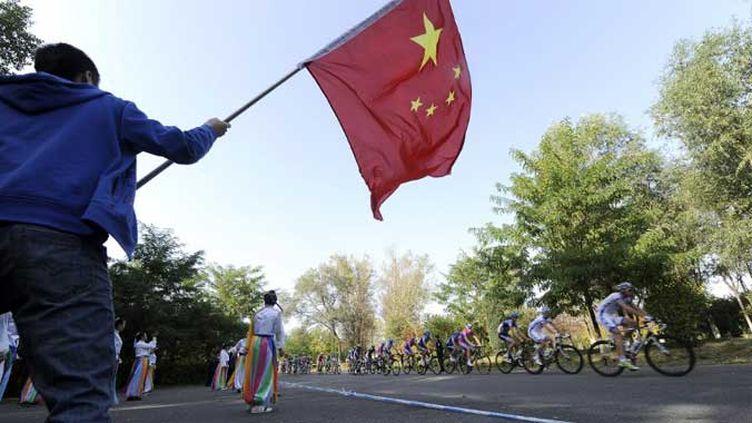 Le peloton international encouragé par le public chinois
