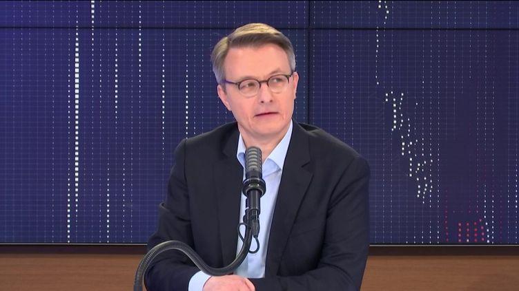 """Dominique Schelcher, président de Système U était l'invité du """"8h30 franceinfo"""", jeudi 22 avril 2021. (FRANCEINFO / RADIOFRANCE)"""