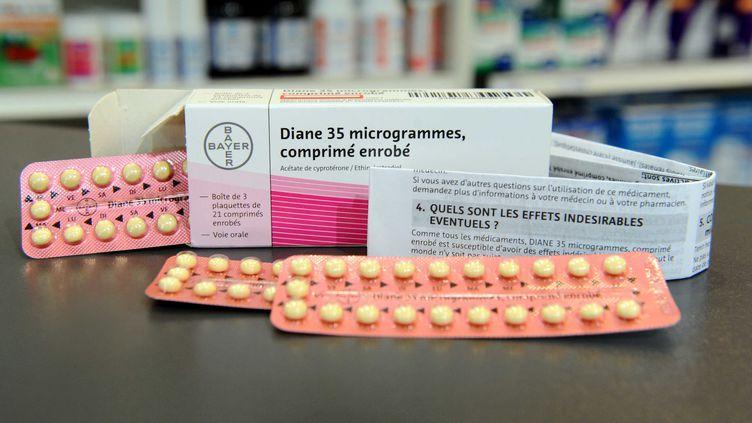 L'anti-acnéique Diane 35, commercialisé depuis 1987, va être suspendu de la vente d'ici trois mois, a annoncé l'Agence du médicament le 30 janvier 2013. (FLORENCE DURAND / SIPA)