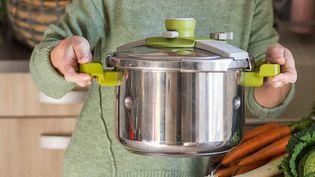 Indispensables en cuisine, certains autocuiseurs peuvent s'avérer dangereux (illustration) (BURGER / PHANIE)