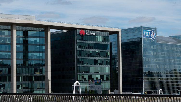 Le siège de Huawei France à Issy-les-Moulineaux (Hauts-de-Seine), en août 2020. (RICCARDO MILANI / HANS LUCAS / AFP)