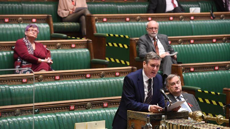 Keir Starmer, leader de l'opposition britannique, à la Chambre des communes le 2 décembre 2020. (JESSICA TAYLOR / UK PARLIAMENT)