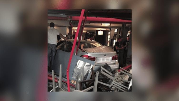 Une voiture a foncé intentionnellement dans une pizzeria du village de Sept-Sorts (Seine-et-Marne), le14 août 2017, tuantune jeune fille de 13 ans et blessant au moins 12 autres personnes. (FRANCEINFO)
