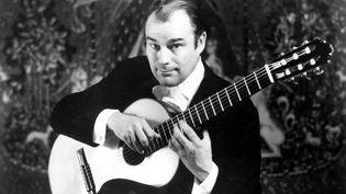 Julian Bream, grand guitariste et luthiste,est décédé à l'âge de 87 ans. (RONALDGRANT/MARY EVANS/SIPA)