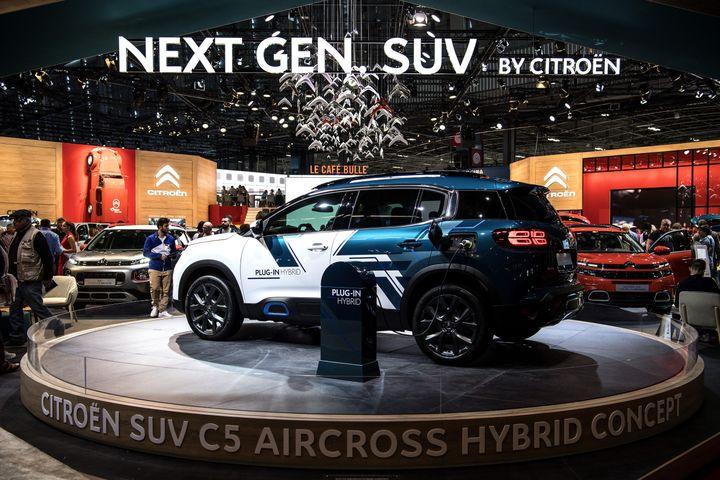 Citroën présente son concept de SUV hybride C5 au Mondial de l'automobile de Paris, le 4 octobre 2018. (CHRISTOPHE ARCHAMBAULT / AFP)